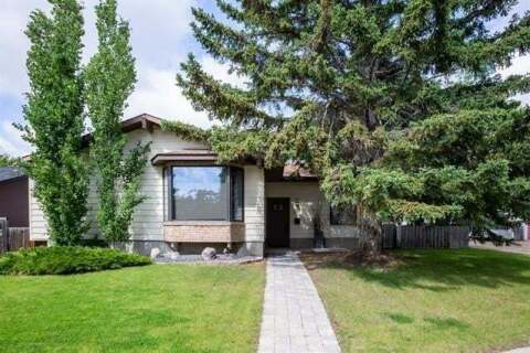 House for sale at 6003 Lewis Dr Southwest Calgary Alberta - MLS: C4297251