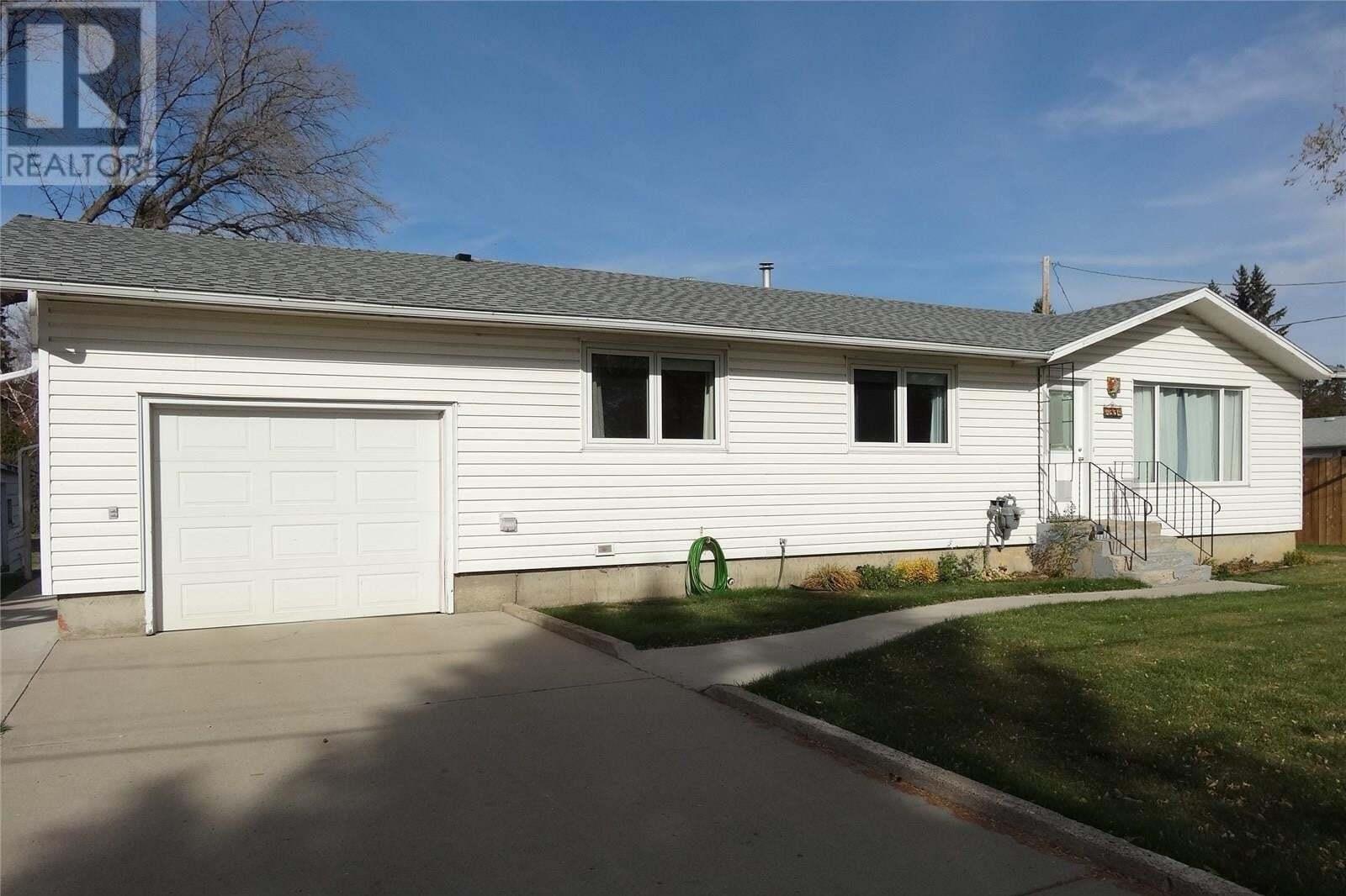 House for sale at 6004 7th St Rosthern Saskatchewan - MLS: SK830141