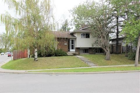 House for sale at 6004 Madigan Dr Northeast Calgary Alberta - MLS: C4263309