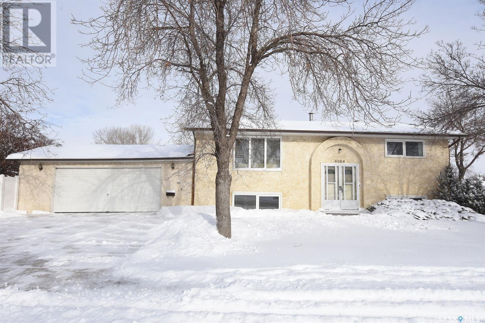 House for sale at 6006 1st Ave N Regina Saskatchewan - MLS: SK833698