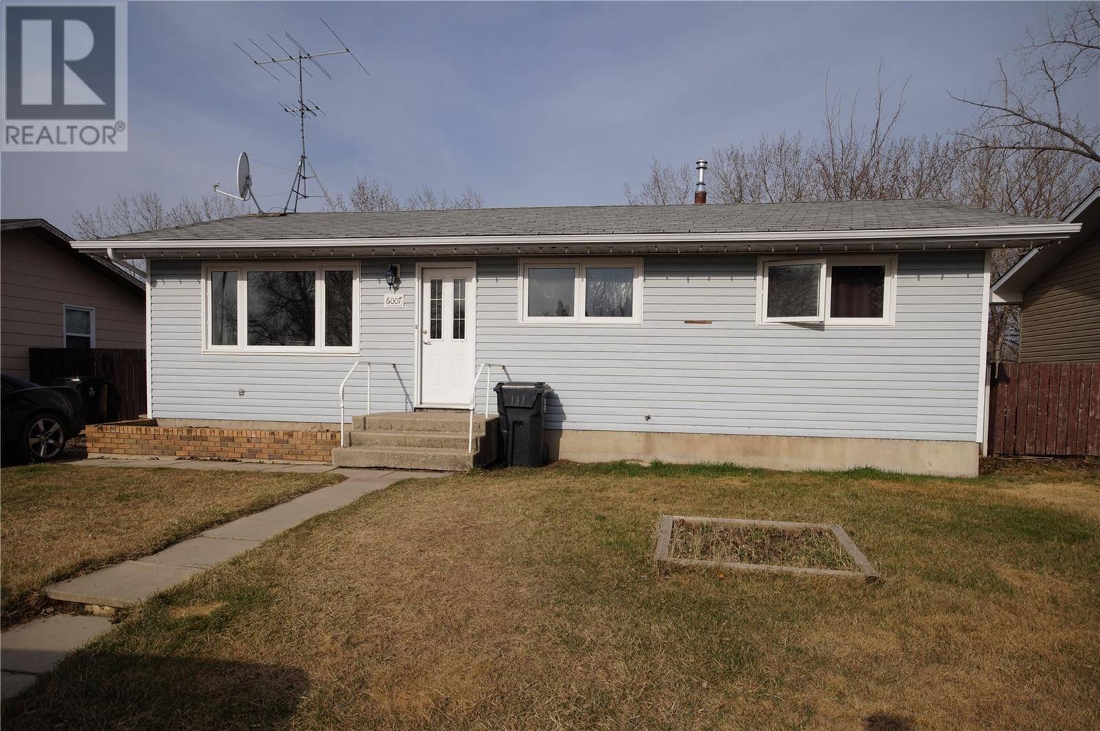 House for sale at 6007 Neufeld Ave Waldheim Saskatchewan - MLS: SK778364