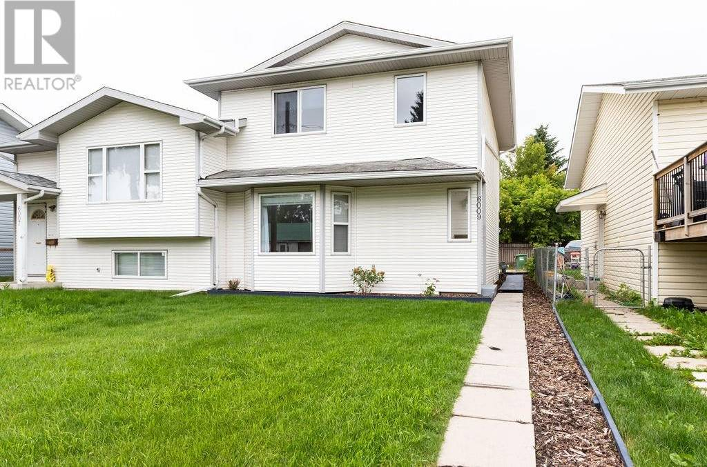 Townhouse for sale at 6009 63a St Red Deer Alberta - MLS: ca0172235