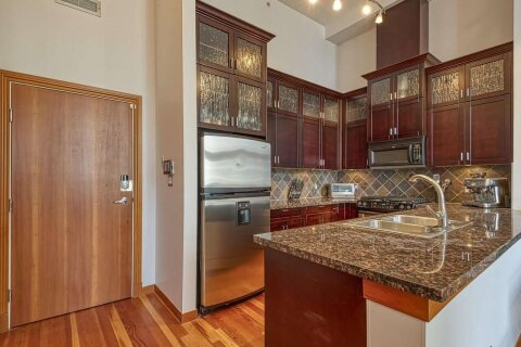 Condo for sale at 10 Renaissance Sq Unit 601 New Westminster British Columbia - MLS: R2502696
