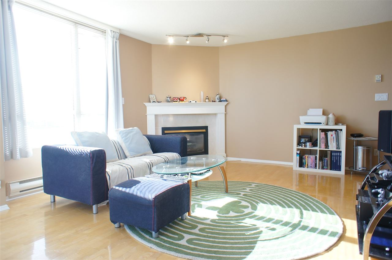 Buliding: 8280 Westminster Highway, Richmond, BC