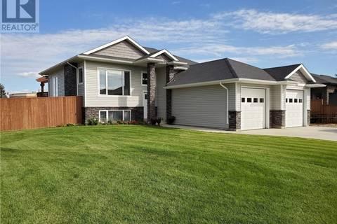 House for sale at 601 Selkirk St Outlook Saskatchewan - MLS: SK797901