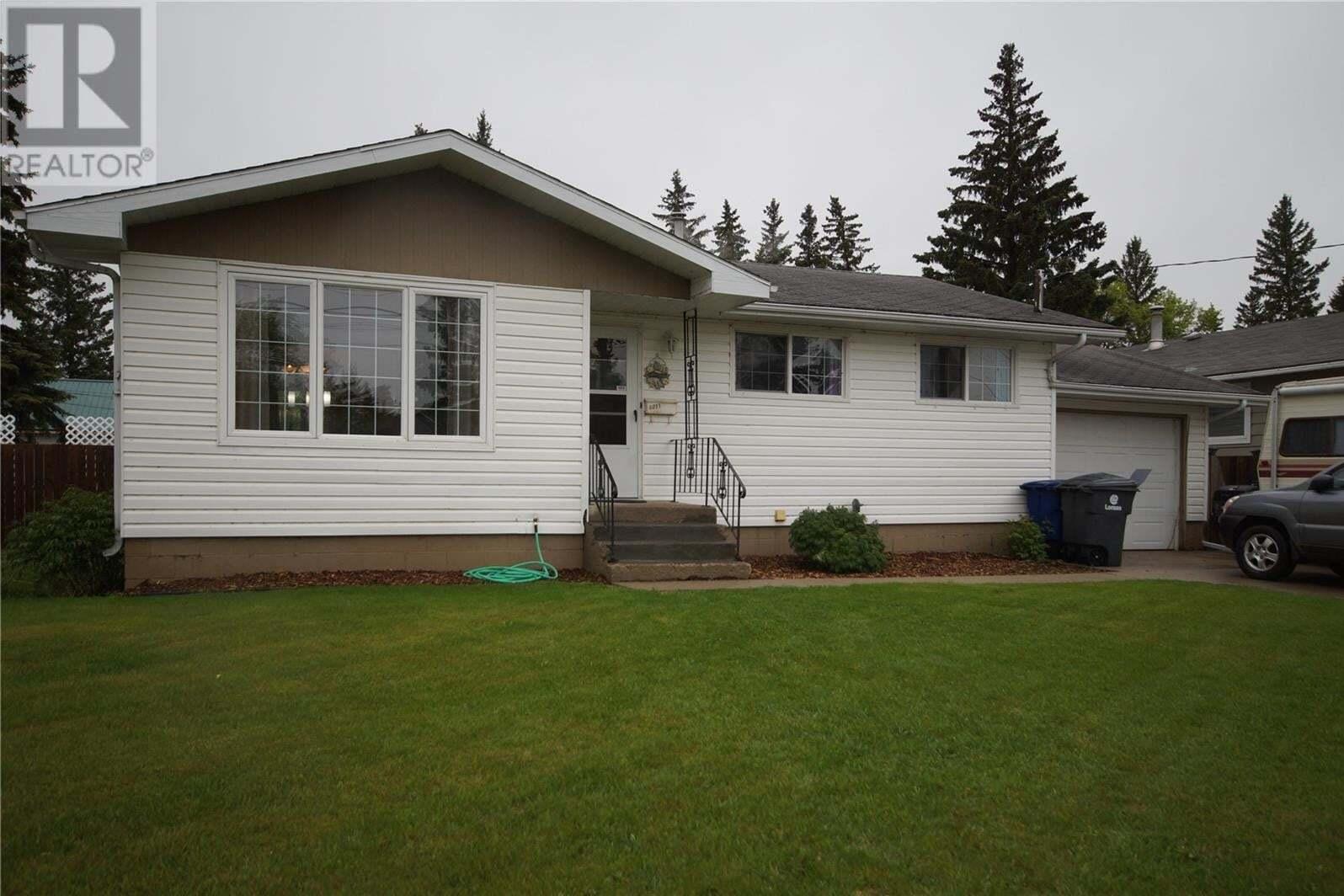 House for sale at 6011 4th St Rosthern Saskatchewan - MLS: SK811240