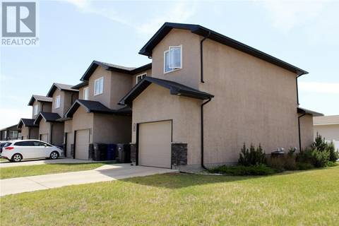 Townhouse for sale at 602 Barber Cres Weyburn Saskatchewan - MLS: SK775934