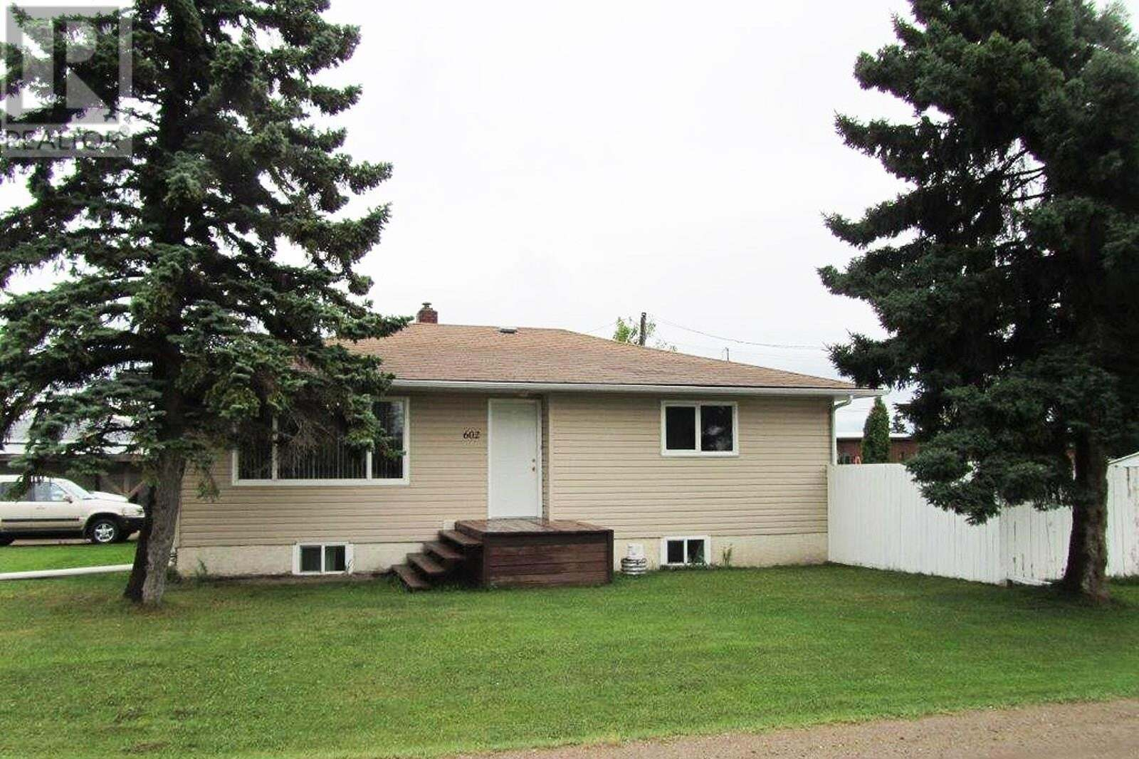 House for sale at 602 Sergent Ave Meadow Lake Saskatchewan - MLS: SK823683