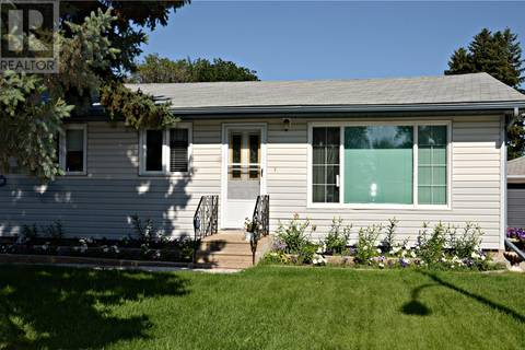 House for sale at 602 T Ave N Saskatoon Saskatchewan - MLS: SK770384