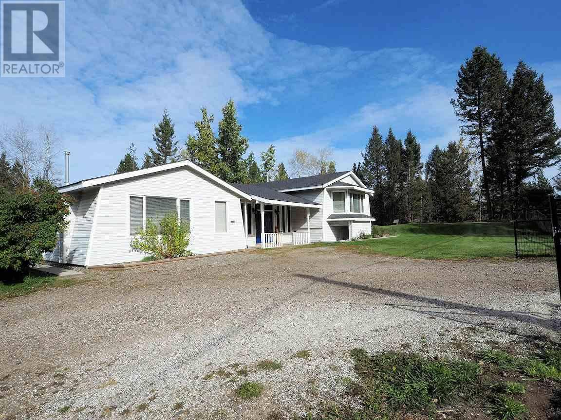 House for sale at 6025 Easzee Dr 108 Mile Ranch British Columbia - MLS: R2410349