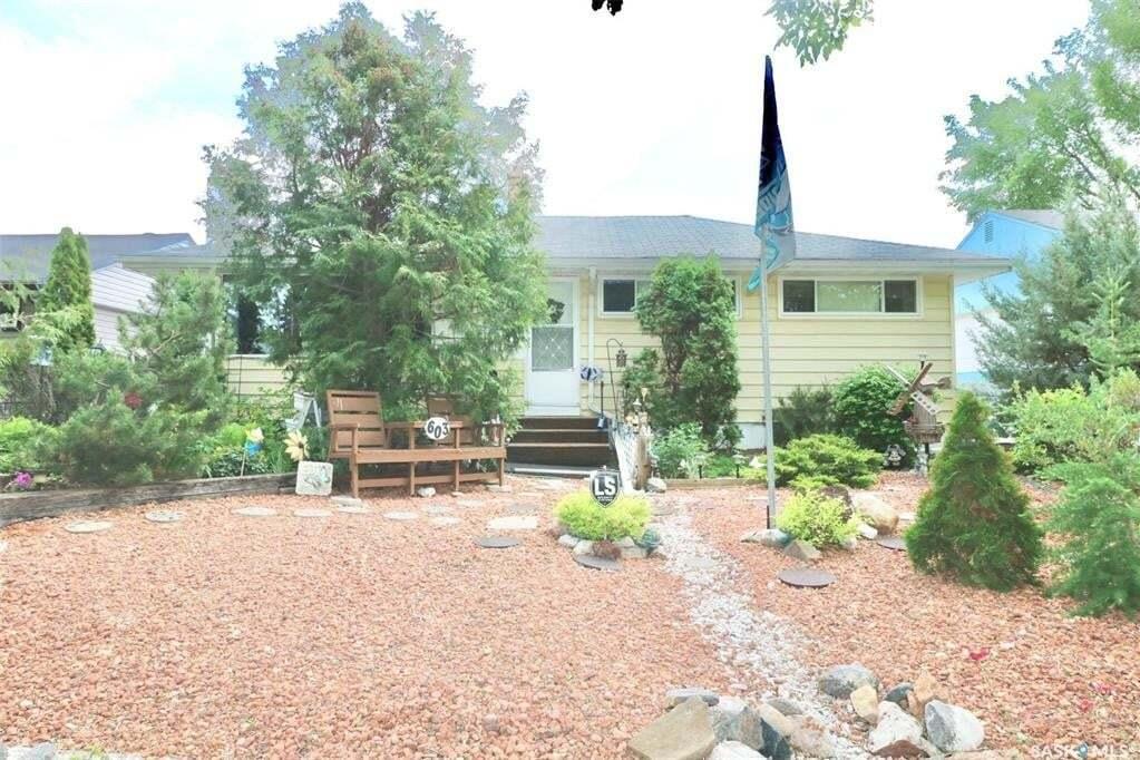 House for sale at 603 Mullin Ave E Regina Saskatchewan - MLS: SK809846