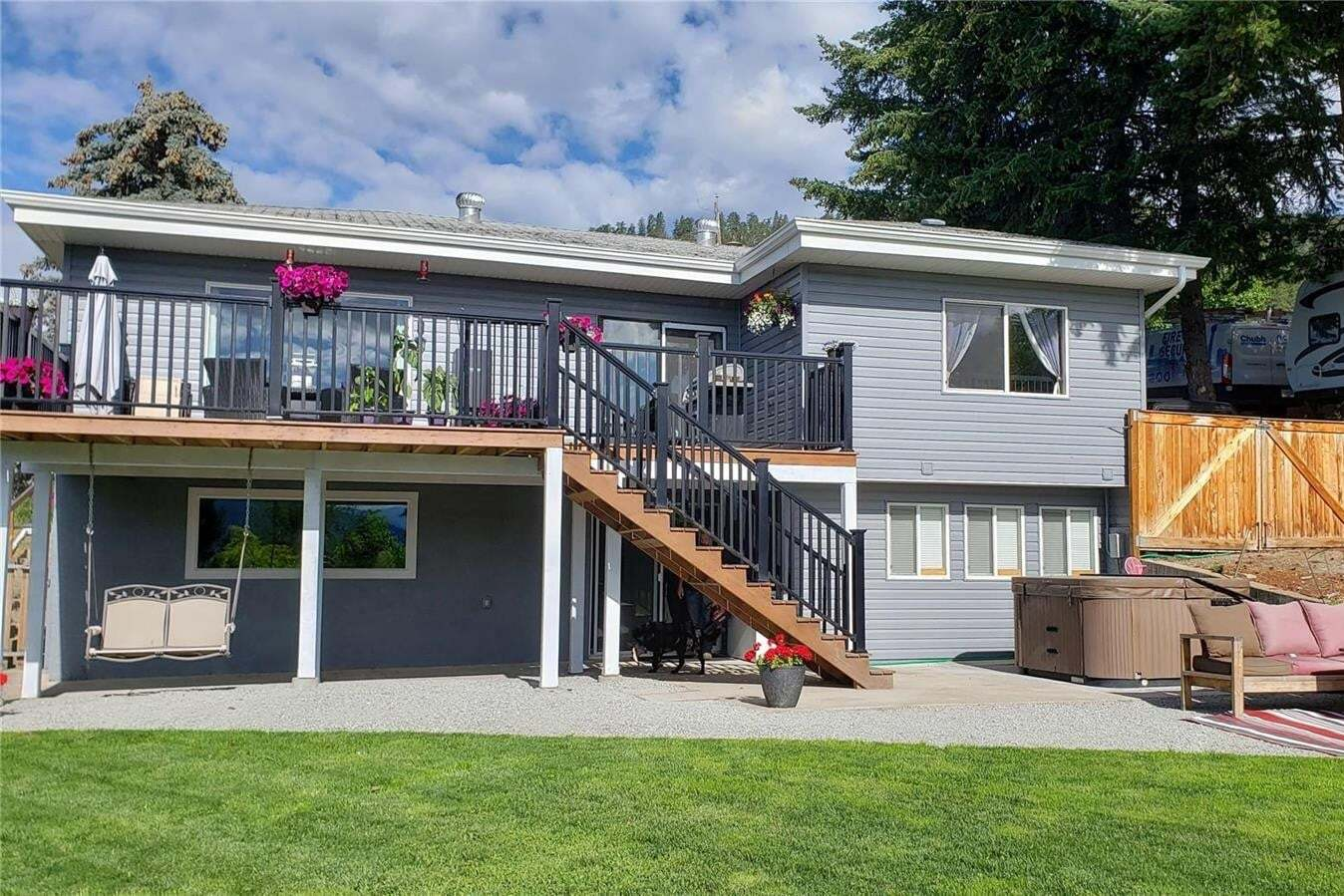House for sale at 6033 Ellison Ave Peachland British Columbia - MLS: 10209916