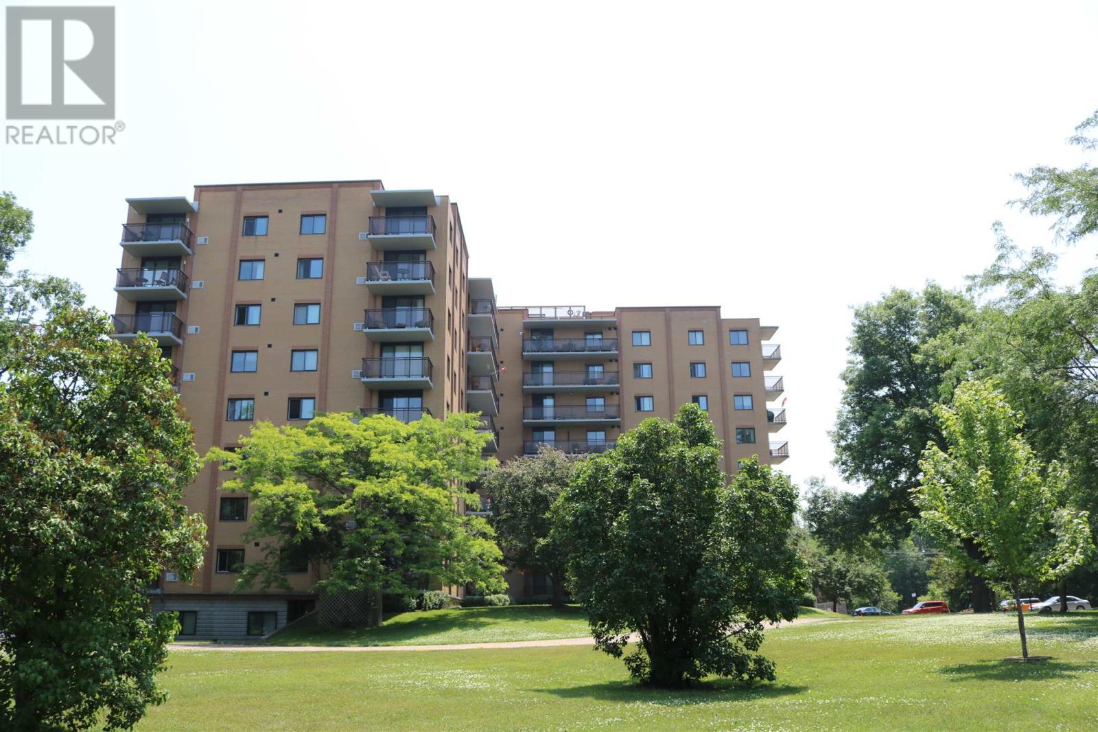 Buliding: 120 Barrett Court, Kingston, ON
