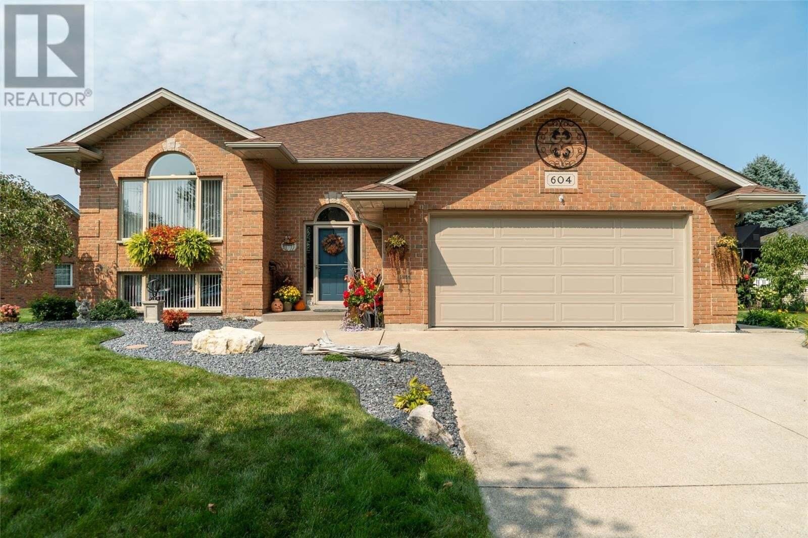 House for sale at 604 Bastien  Amherstburg Ontario - MLS: 20012551