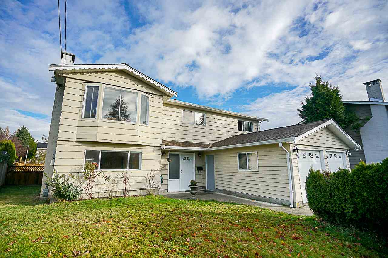 For Sale: 6049 49b Avenue, Delta, BC | 5 Bed, 2 Bath House for $999,000. See 20 photos!