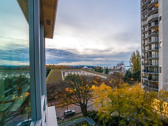 Sold: 605 - 1005 Beach Avenue, Vancouver, BC