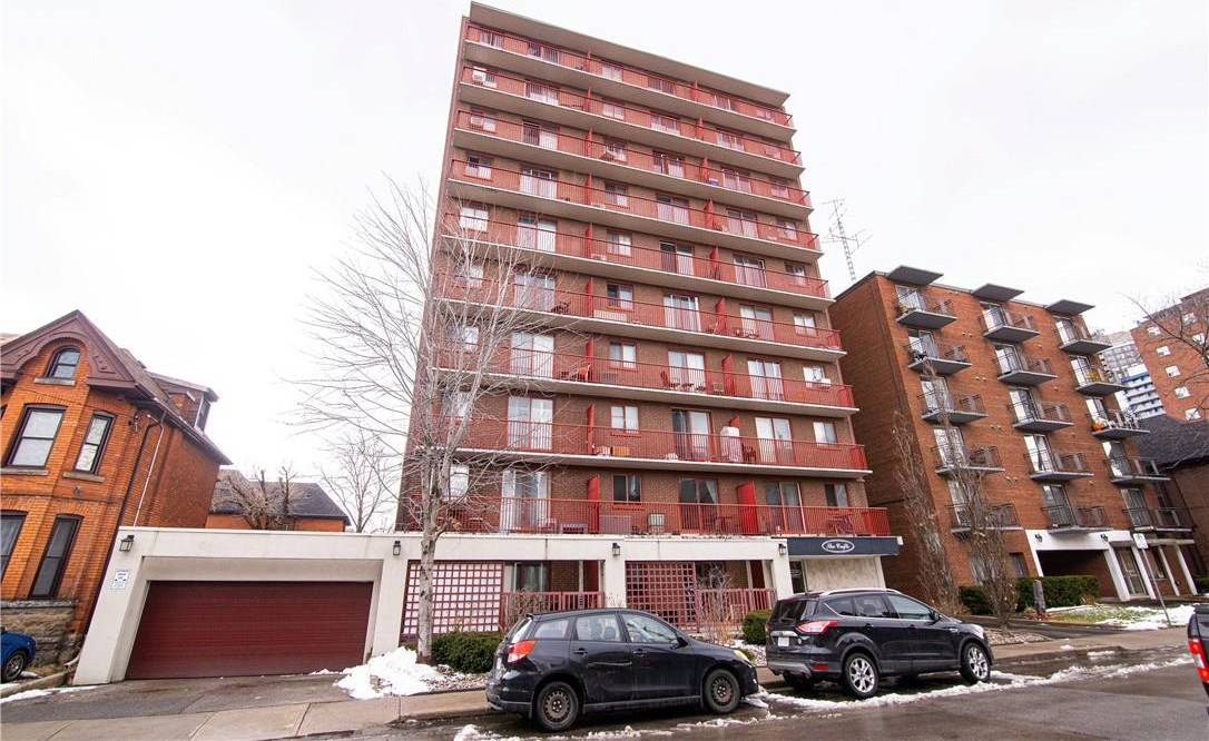Condo for sale at 141 Catharine St S Unit 605 Hamilton Ontario - MLS: H4072787