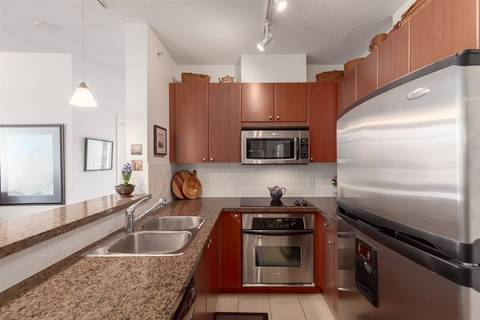 Condo for sale at 15 Royal Ave E Unit 605 New Westminster British Columbia - MLS: R2354418