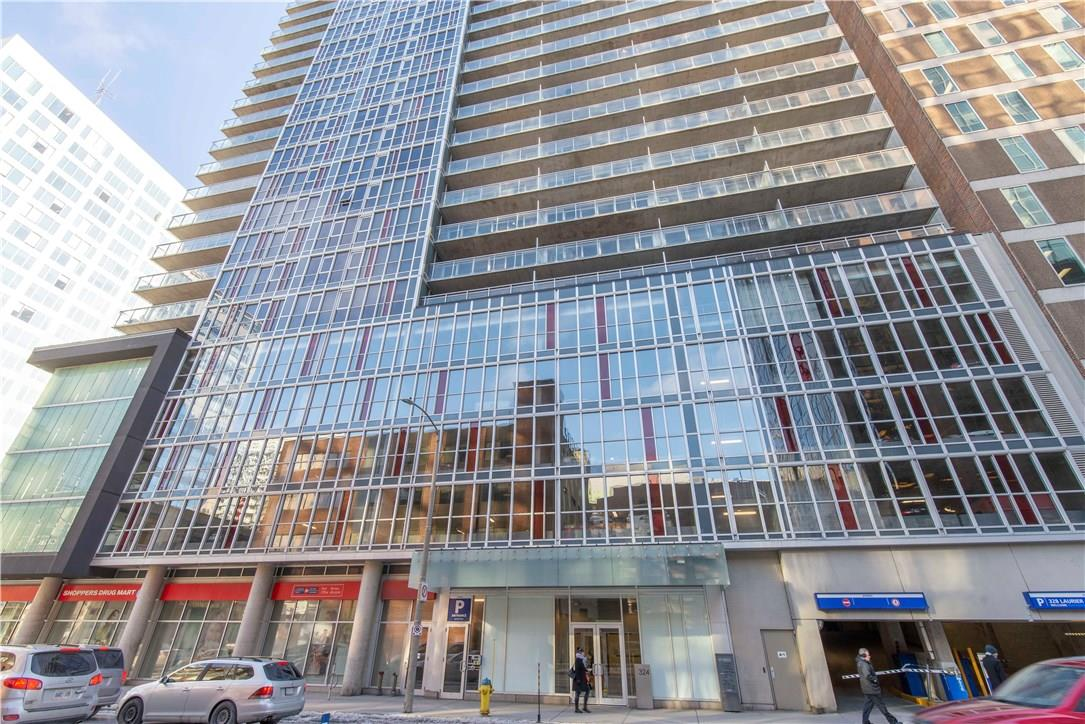 Buliding: 324 Laurier Avenue West, Ottawa, ON
