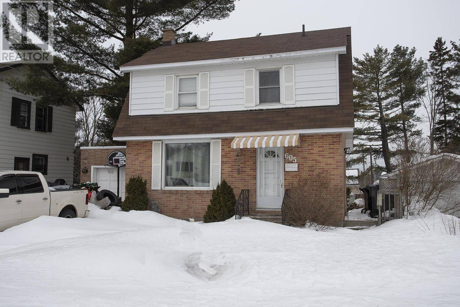 House for sale at 605 Bush St Sault Ste. Marie Ontario - MLS: SM128184
