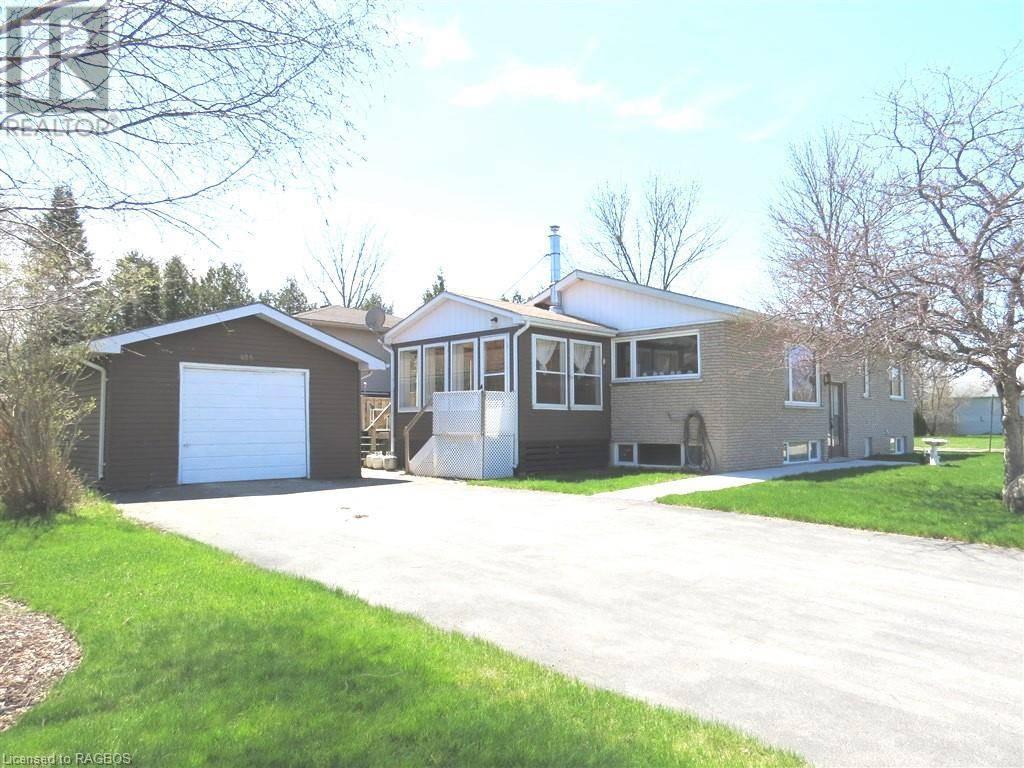 House for sale at 605 Centennial Cres Wiarton Ontario - MLS: 250566