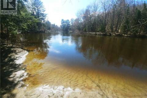Residential property for sale at 605 Hutcheson Beach Rd Huntsville Ontario - MLS: 192904