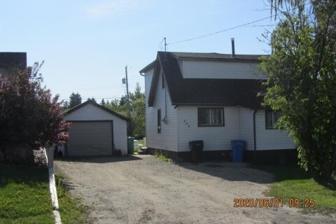 House for sale at 606 5th  Ave Beaverlodge Alberta - MLS: A1004036