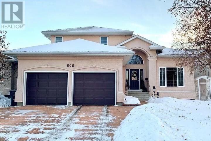House for sale at 606 Bayview Cres Saskatoon Saskatchewan - MLS: SK834537