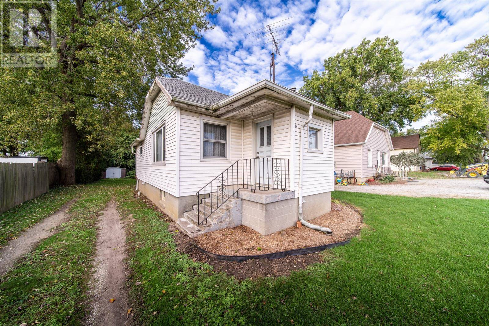 House for sale at 606 Bloomfield Rd Chatham Ontario - MLS: 19026821