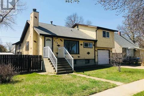House for sale at 606 Broadway Ave Se Redcliff Alberta - MLS: mh0160671