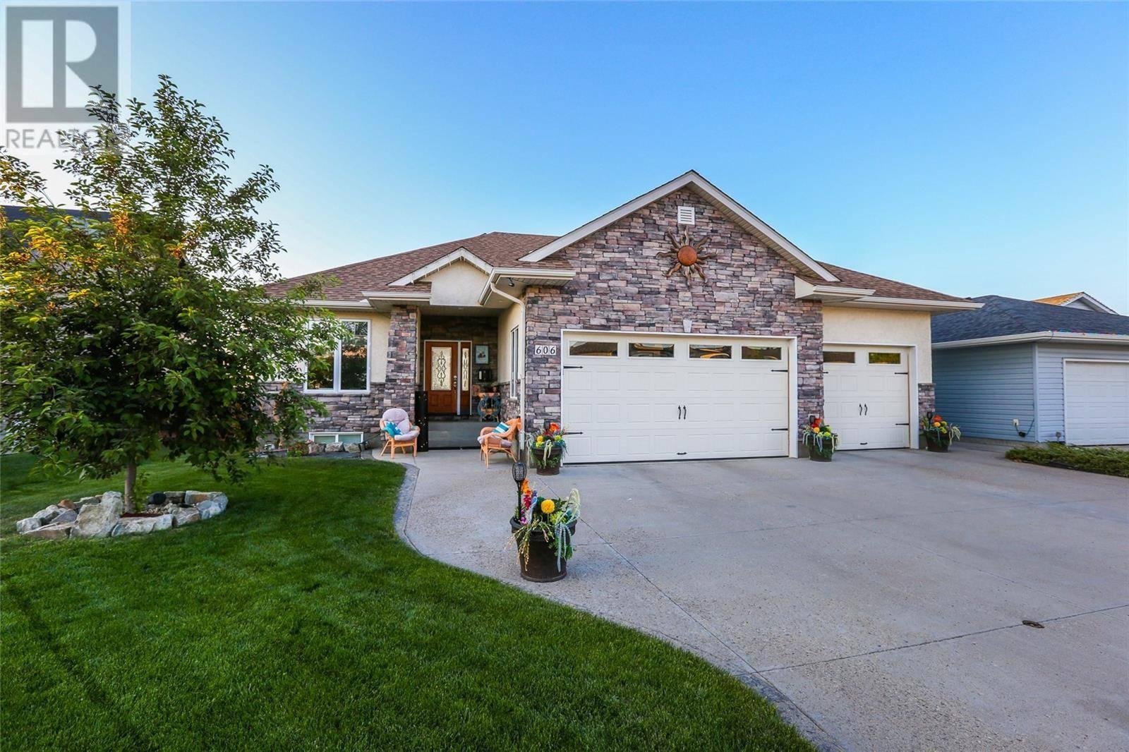 House for sale at 606 Cedar Ave N Dalmeny Saskatchewan - MLS: SK776012