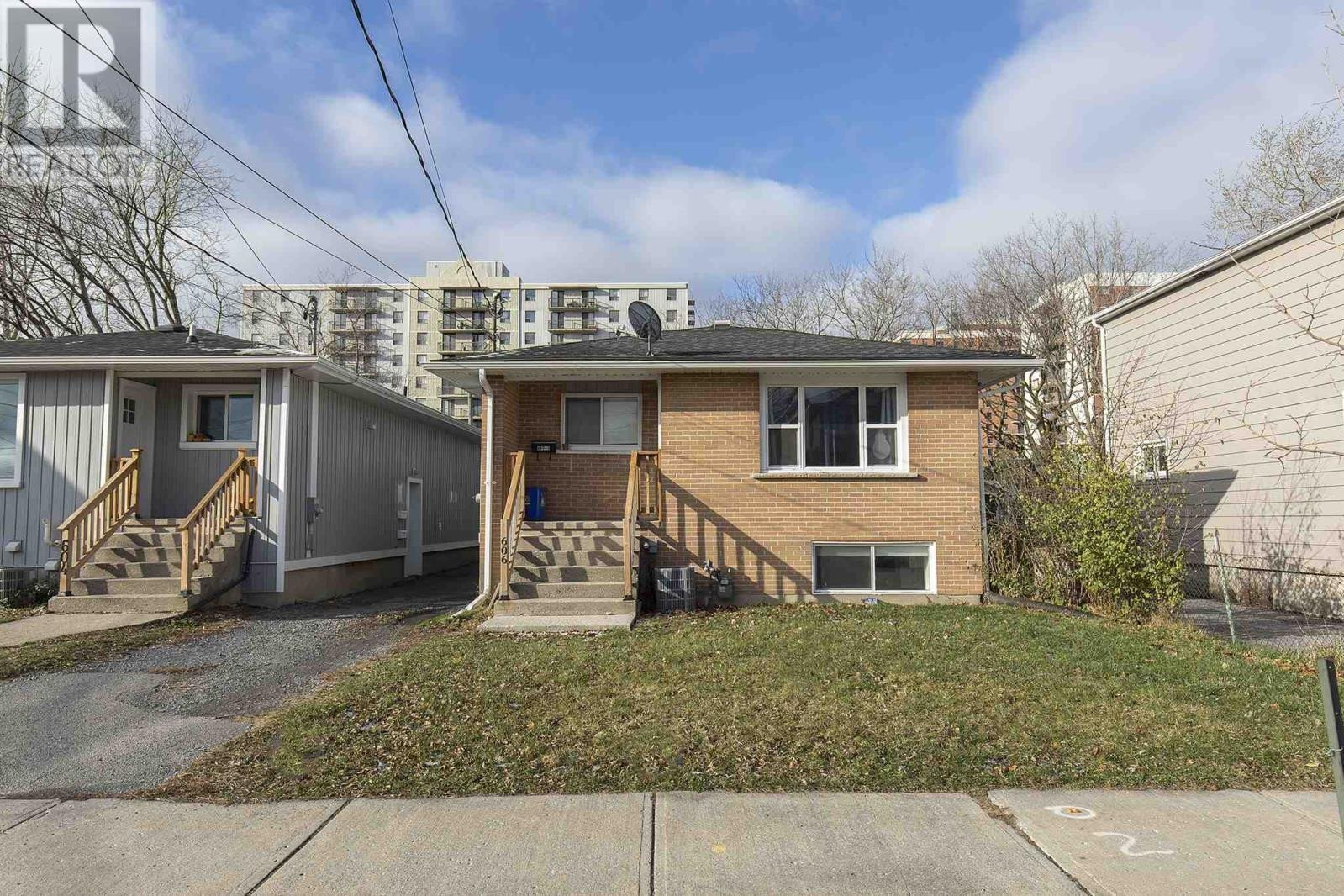 House for sale at 606 Macdonnell St Kingston Ontario - MLS: K20006768