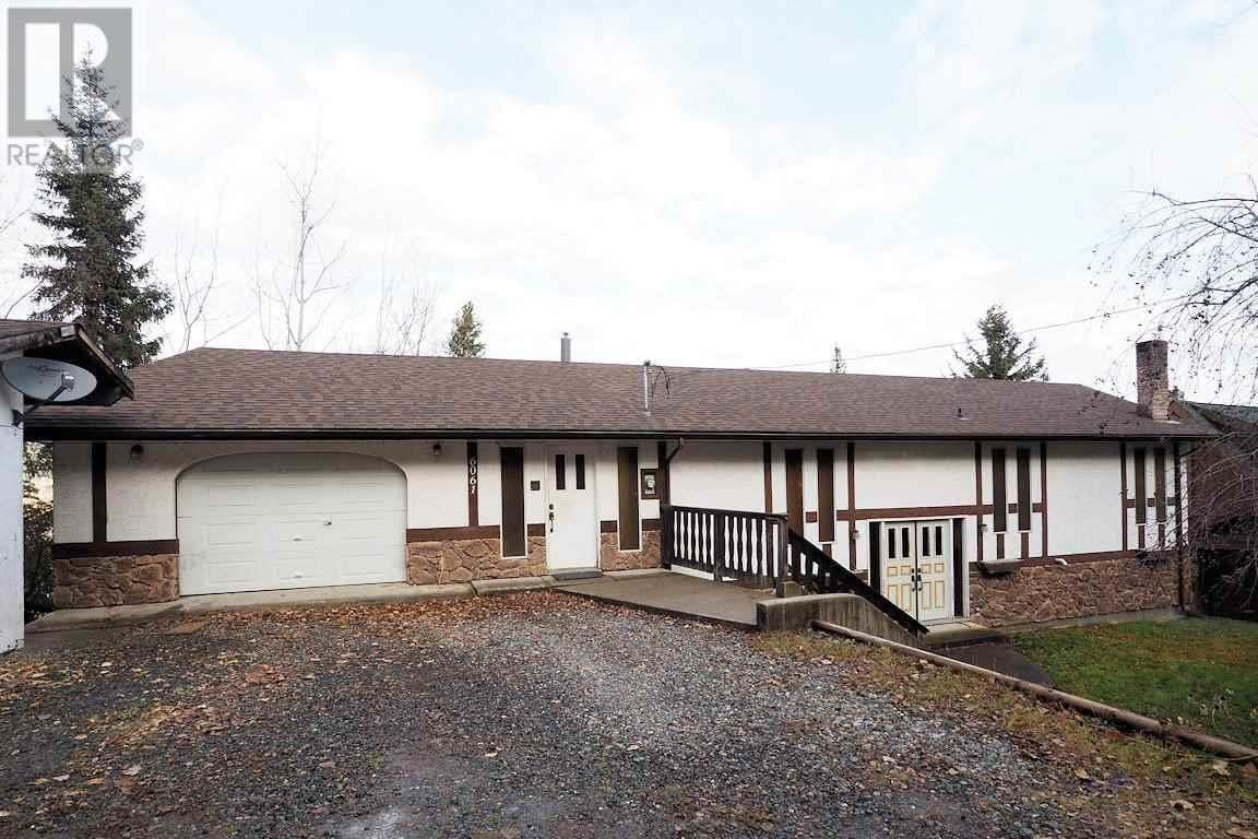 House for sale at 6061 Toomey Rd Horse Lake British Columbia - MLS: R2418074