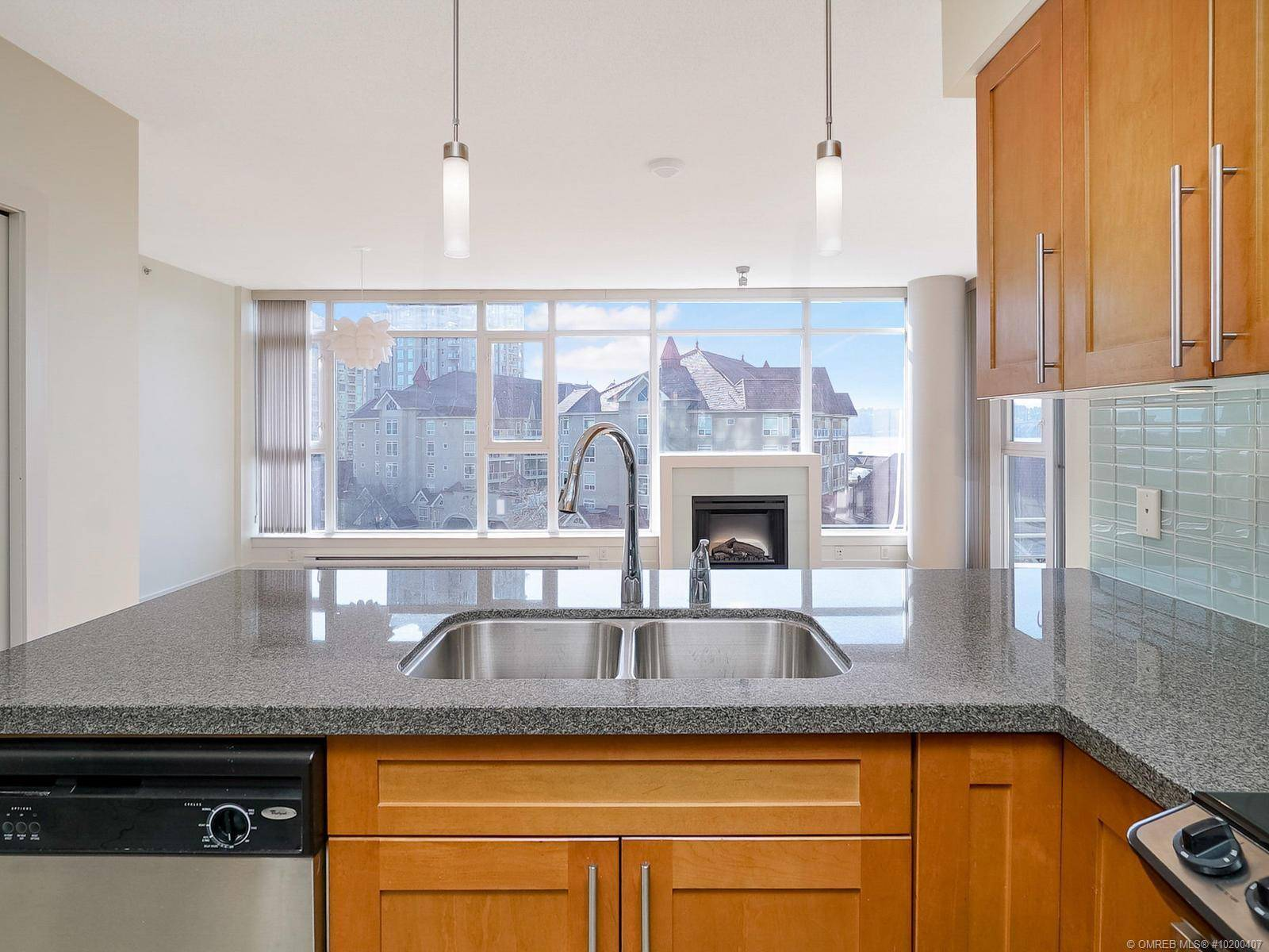 Condo for sale at 1075 Sunset Dr Unit 607 Kelowna British Columbia - MLS: 10200407