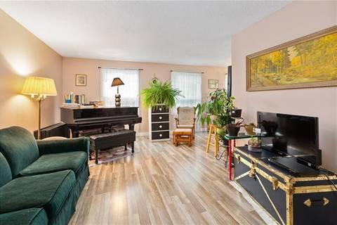 House for sale at 608 Deerpath Ct Southeast Calgary Alberta - MLS: C4287000