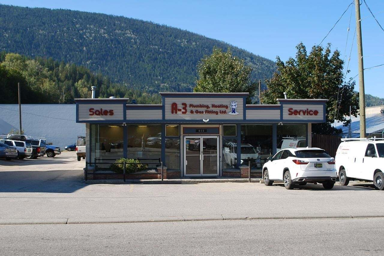 Home for sale at 608 Railway St Nelson British Columbia - MLS: 2454890