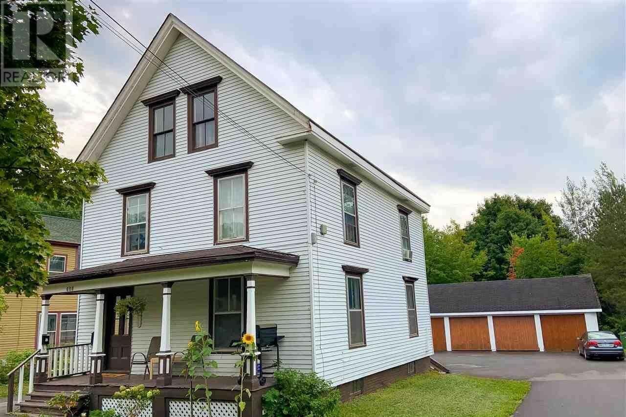 Townhouse for sale at 608 West Main St Kentville Nova Scotia - MLS: 202019052