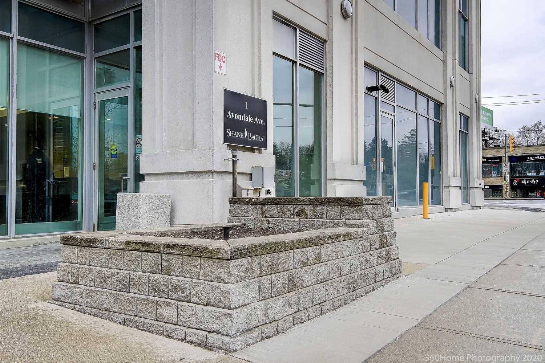 Buliding: 1 Avondale Avenue, Toronto, ON