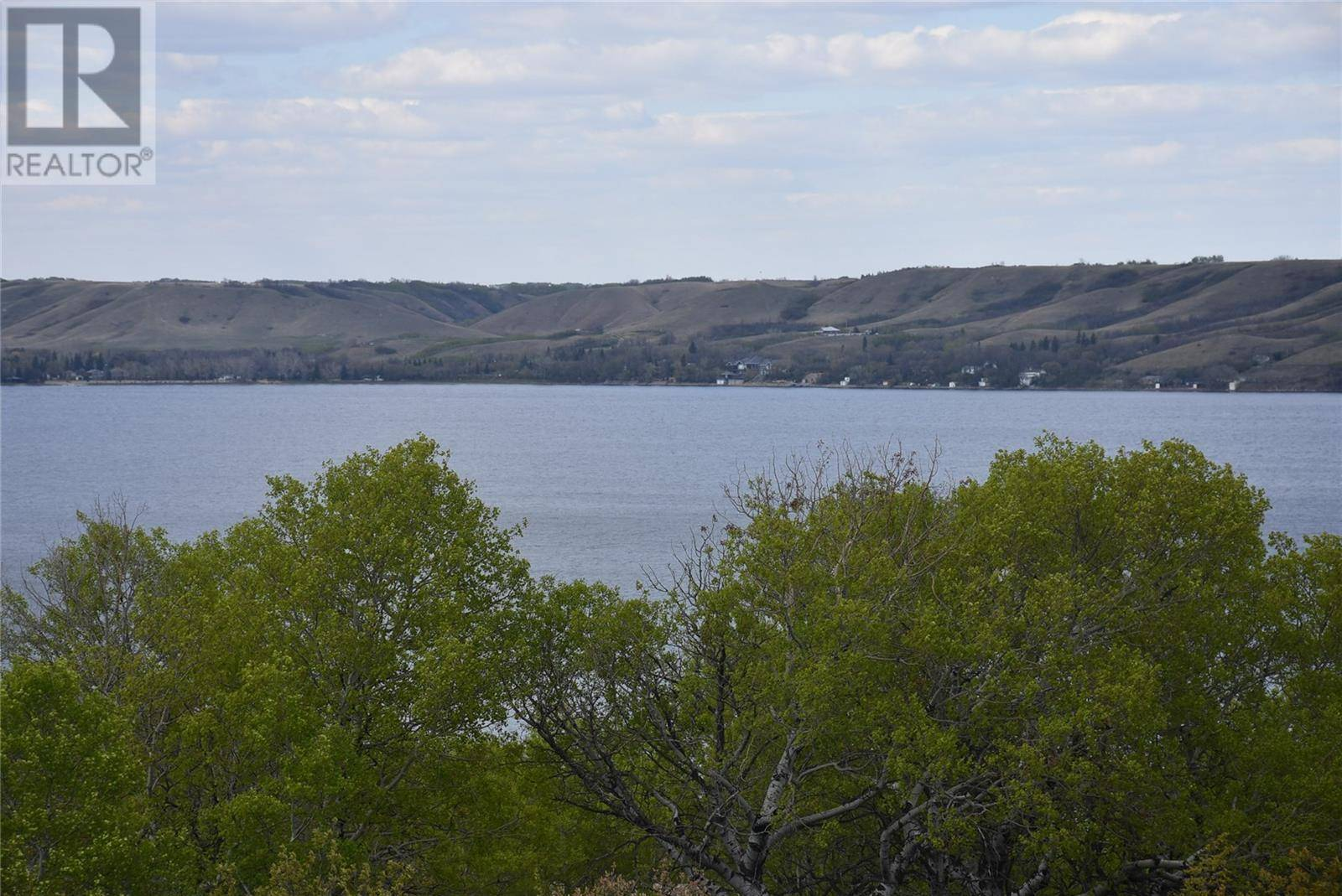 Residential property for sale at 609 Berry Hills Rd Katepwa Beach Saskatchewan - MLS: SK772614