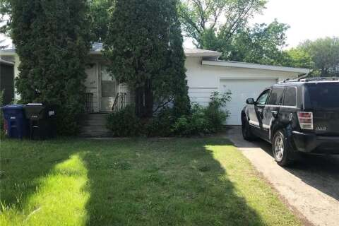 House for sale at 609 P Ave N Saskatoon Saskatchewan - MLS: SK814076