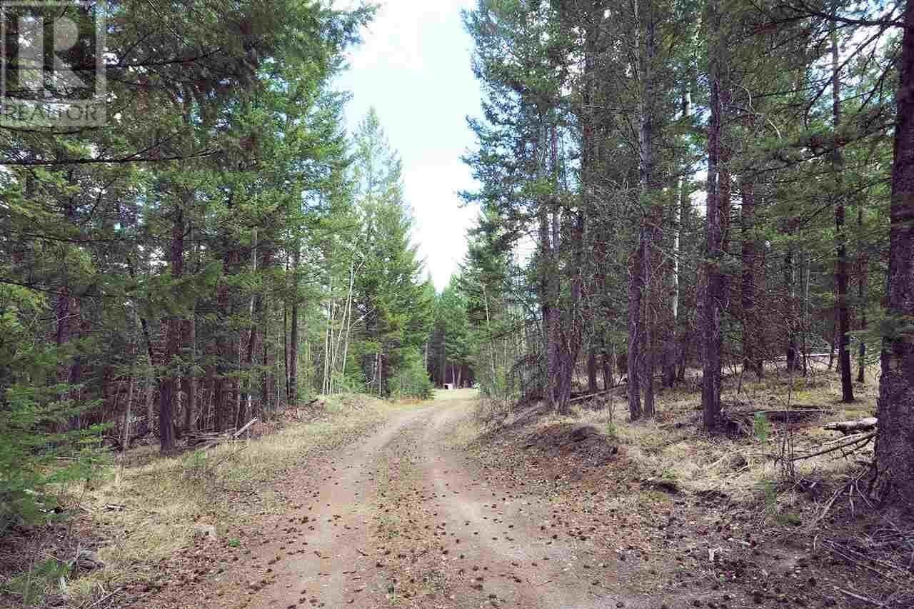Home for sale at 6099 Horse Lake Rd Horse Lake British Columbia - MLS: R2455917