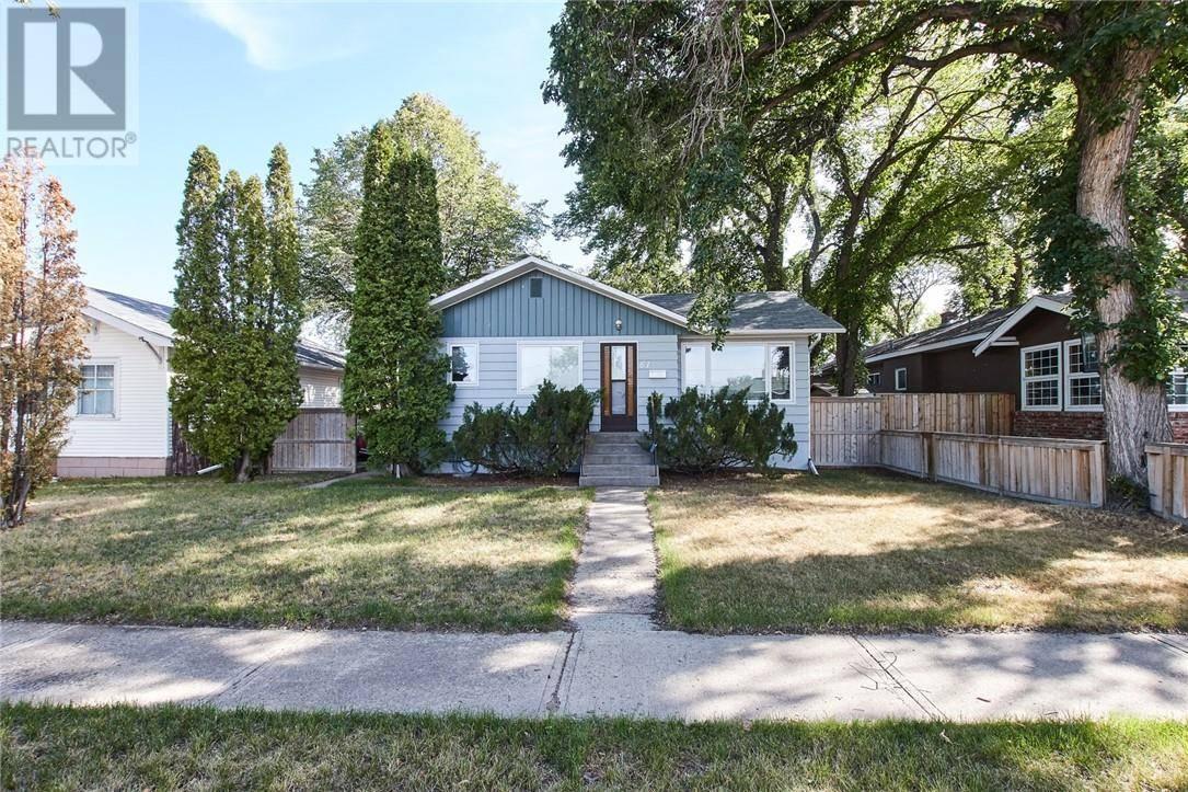 House for sale at 61 11 St Ne Medicine Hat Alberta - MLS: mh0177161
