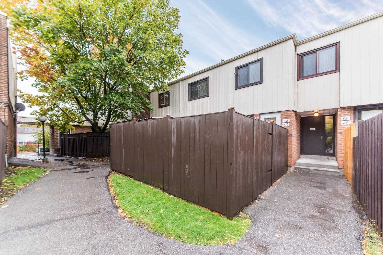 For Rent: 61 - 1100 Oxford Street, Oshawa, ON | 4 Bed, 1 Bath Townhouse for $2500.00.