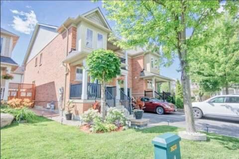 Townhouse for sale at 61 Aldonschool Ct Ajax Ontario - MLS: E4928559