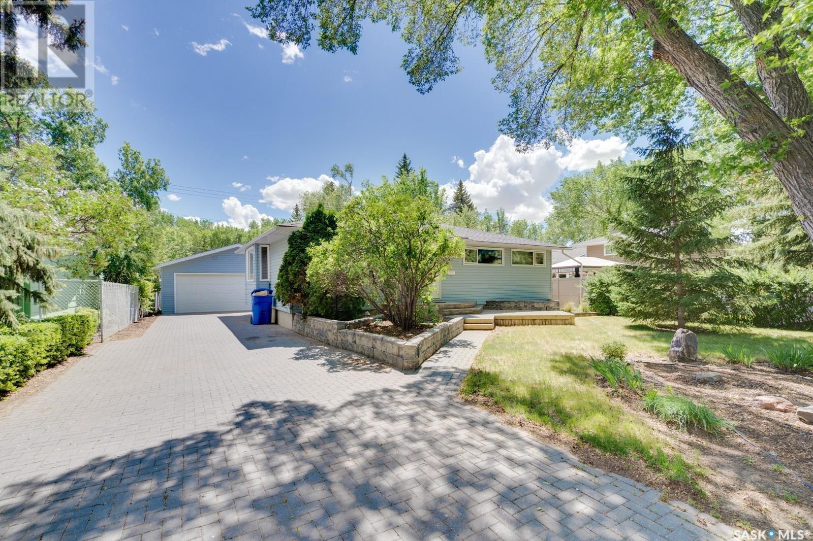 House for sale at 61 Anderson Ave Regina Saskatchewan - MLS: SK827587