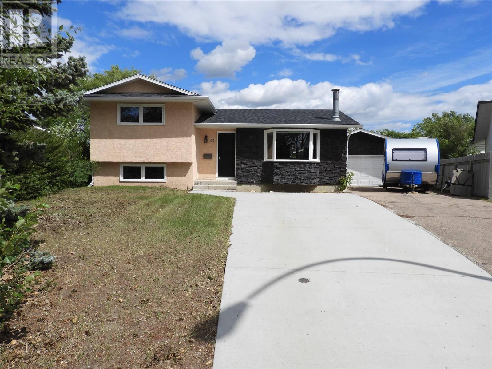 House for sale at 61 Arnason Cres Saskatoon Saskatchewan - MLS: SK778264