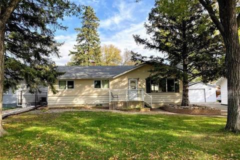 House for sale at 61 Cardinal Cres Regina Saskatchewan - MLS: SK803312