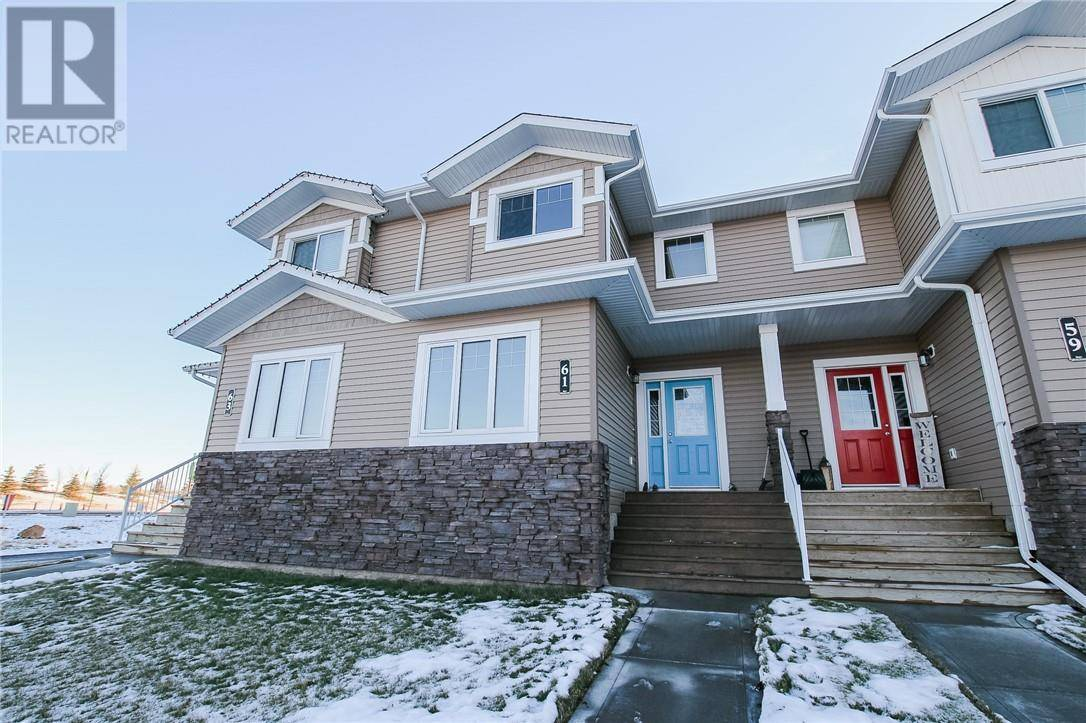 Townhouse for sale at 61 Crestview Blvd Sylvan Lake Alberta - MLS: ca0183455