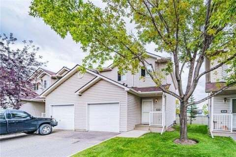 Townhouse for sale at 61 Douglas Glen Pk Southeast Calgary Alberta - MLS: C4289847