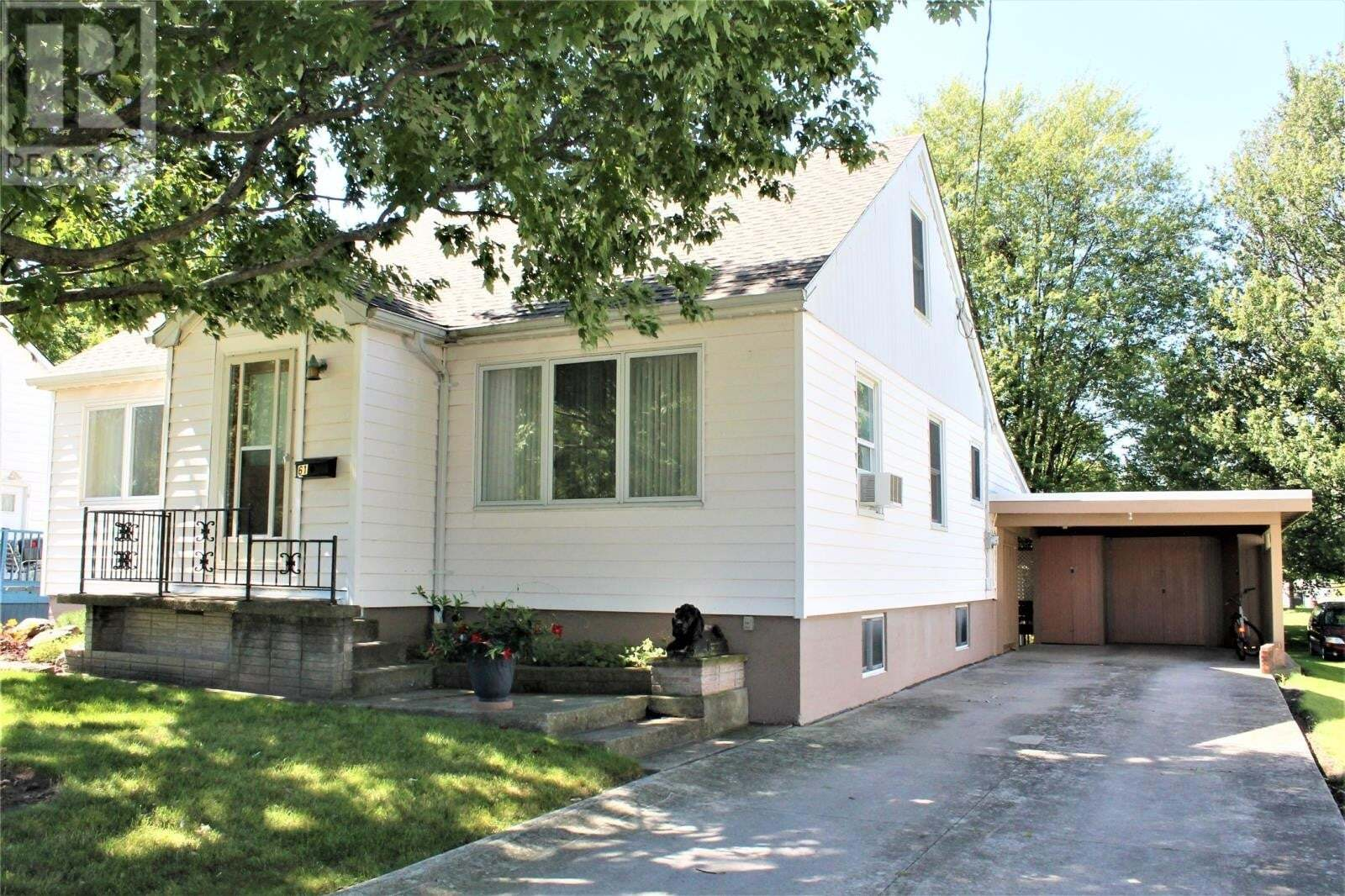 House for sale at 61 Grand Ave Wallaceburg Ontario - MLS: 20009190